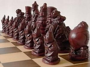 The Alice in wonderland Chess Set of chessmen game pieces gorgeous & collectors
