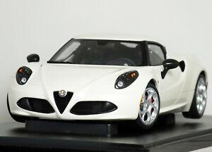 "1:18 AUTOart ""2013 Type-960] ALFA ROMEO 4C COUPE"" (Pearl White) RARE #70188 HTF"