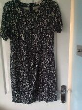 Ladies Dress from Billie & Blossom size 16 in VGC