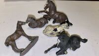 5 SMALL VINTAGE HORSE FIGURES BRITAINS ASSORTED X 5 METAL & PLASTIC TOYS