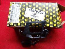 Halter SW Düse links FERRARI 430 - l.h support - ET Nr 68079200