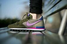 NWT NIKE Internationalist Shoes Womens Size 8.5  SALE