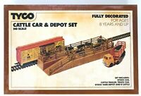 Tyco HO Scale 935 Cattle Stock Car & Depot Set Fully decorated