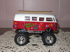 Kinsmart 1962 Vw Classical Bus with Printing & Surfboard (1/32)