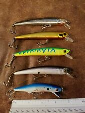 Lot of 5 unmarked Crankbait Lures in used condition unknown