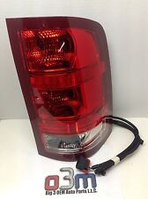 GMC Sierra RH Passenger Side TAIL LAMP/ BRAKE LIGHT Assembly new OEM 25958485