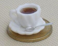 Escala 1:12 té negro en una taza de cerámica blanca con un platillo & Cuchara Casa De Muñecas