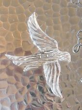 LARGE VINTAGE FLYING SWALLOW BIRD CARVED CRYSTAL CLEAR FIGURAL LUCITE PIN BROOCH