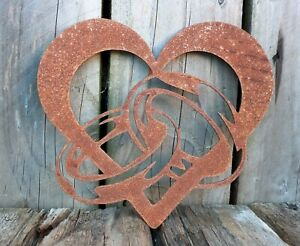 Lovely Rusty Metal LOVE HEART With Entwined RINGS Garden Ornament Rustic Vintage
