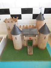 07.05.17.1 figurine soldat starlux Plasticobois chateau fort moyen âge chevalier