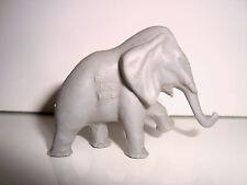 ANCIENNE FIGURINE LA ROCHE AUX FEES - ELEPHANT  (4x5cm)