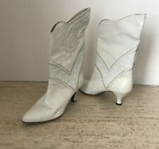 Stylish Peter Fox Vintage White Leather Boots