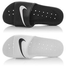 Sandali e scarpe nere Nike per il mare da donna
