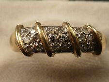 QUALITY 18ct GOLD RING SET WITH 18 DIAMONDS