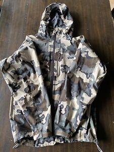 KUIU Chugach rain jacket mens large Vias