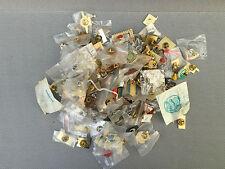 Gros lot de pins collection vintage publicité art populaire french antique