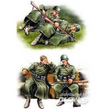 (hbb84420) - Hobbyboss 1 35 - German Infantry - Taking a Rest