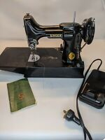 Vintage  Singer FEATHERWEIGHT Sewing Machine 221-1 & Case fully working