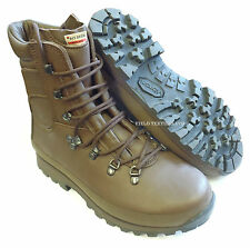 BRITISH ARMY ALTBERG COMBAT DEFENDER BROWN BOOTS SIZE 15 M - NEW IN BOX - SN3087