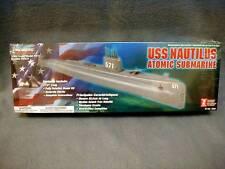 LINDBERT USS NAUTILUS ATOMIC SUBMARINE 70884 1/300 MILITARY - NEW IN SEALED BOX