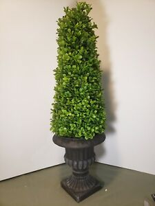 "21"" Boxwood Topiary In black Urn Accents By Valerie.  Q20"