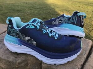 Women's size 7 HOKA ONE ONE BONDI 5 running shoes