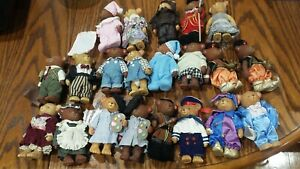 21 Gorgeous collection Vintage hard plastic Bears with clothes on(12cm height)
