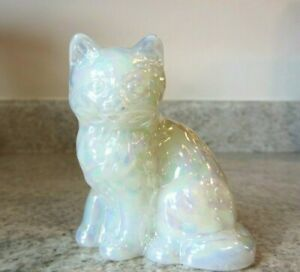 "New Mosser Glass Sitting Cat 3 1/4"", White Carnival"
