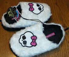 Medium MONSTER HIGH-NWT-Toddlers Slippers-Black & White w Skull-Glows in Dark!