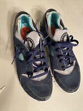 Blue/green Men's Nike huarache Sneaker size 11.5