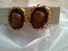 Gorgeous Thick Intaglio Glass Cameo Clip On Earrings Gilded Goldtone Frame