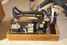 Vintage Singer Hand Cranked Sewing Machine Y2283960 + Case