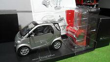 SMART City Coupé Gris ou Rouge au 1/18 KYOSHO voiture miniature