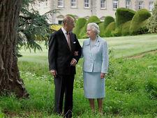 Queen Elizabeth & Prince Philip II 10 x 8 UNSIGNED photo - P1043