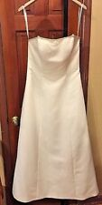 David's Bridal Oleg Cassini Collection wedding dress Size 12 Style CT003 EUC