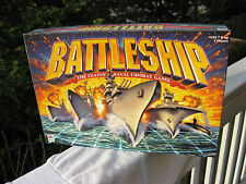 BATTLESHIP Navel Combat GAME Complete w/ Instructions English & Spanish 2002