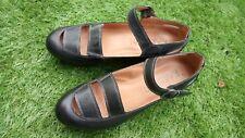 Chaussures cuir compensées KARSTON pointure 40 comme neuves.