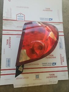 2003-2007 SATURN ION COUPE REAR RIGHT PASSENGER SIDE TAIL LAMP OEM 124597