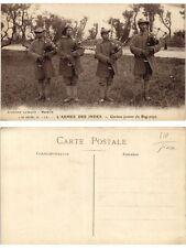 CPA no. 112 L'Armee des Indes MARSEILLE Gurkas jouant du Bag-Pipe (378400)