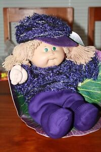Cabbage Patch Kids - vintage girl