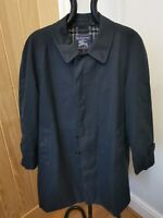 Men's Burberry Made In England Vintage Navy Trench Coat - 1970s Size 52 Short