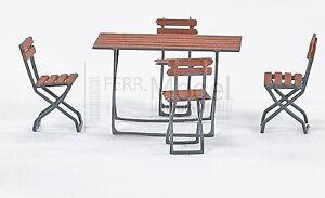 WEINERT 32101 - Kit di montaggio tavolo + 4 sedie. Scala H0 1;:87