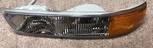 New Passenger Signal Light Fits 1999-2002 Chevrolet Silverado 1500 GM2521173.