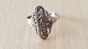 STERLING SILVER 925 RING, Size 8.25 - 2.8 grams,made in U.S.A