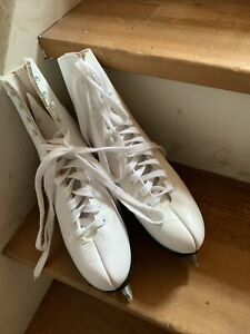 Womens Lange Aries Ice Figure Skates White Size 6 Made in Canada.  NICE!!