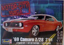 Revell 85-2148 - '69 Camaro™ Z/28 2'n1 302 V8 1/25 Scale Plastic Model Kit
