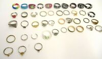 MIXED LOT OF 43 COSTUME JEWELRY FINGER / TOE RINGS GOLD/SILVER TONE METALS