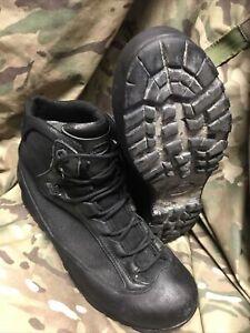 Black high Liability combat goretex AKU Boots!british Issue!Hardly Worn!size 9 L