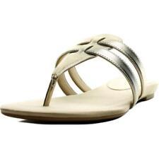 Sandalias y chanclas de mujer de tacón bajo (menos de 2,5 cm) de color principal oro Talla 37.5