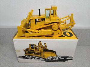 Caterpillar Cat D10 Dozer with Ripper - Conrad 1:50 Scale Diecast Model #2850